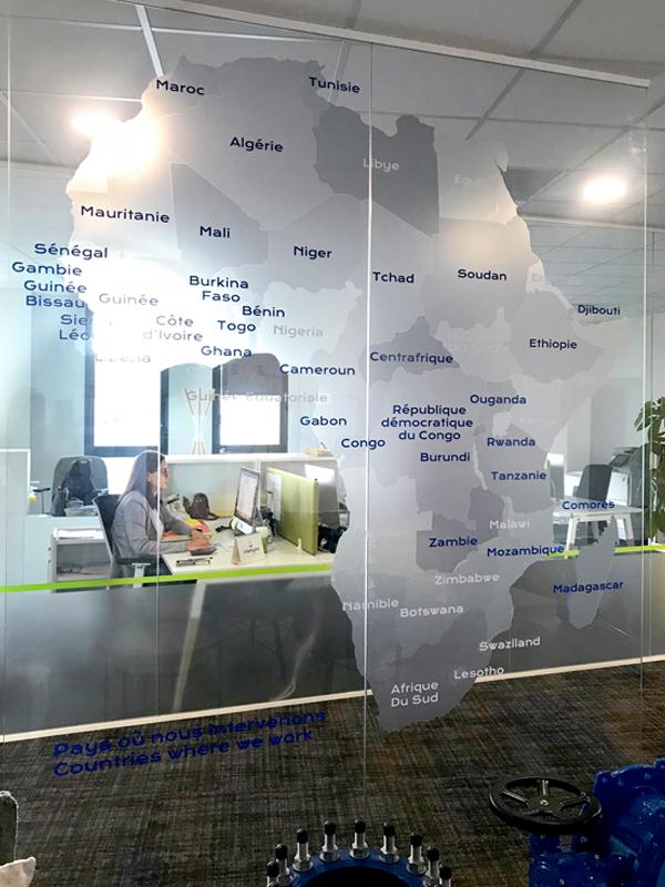 décoration de bureaux design - © zeste de créa studio graphique à Lyon